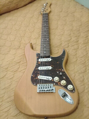 AU120 • Buy Strat Style Electric Guitar 3/4 Stagg Brand