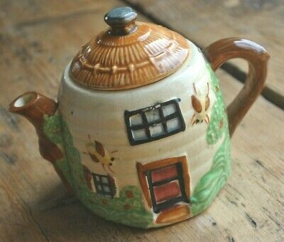 Vintage Pottery Thatched Cottage Beehive Shaped Teapot • 29£