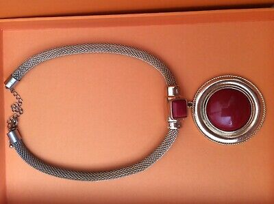 Wallis Necklace Grecian Circle Round Red Gold • 4.99£