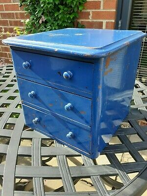 Vintage Chest / Collector's Cabinet - 3 Drawers, Possibly An Apprentice Piece. • 38£