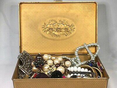 $ CDN27.09 • Buy 2lbs+ Lot Vintage To Now Costume Jewelry Untested Unsearched Mixed LOT