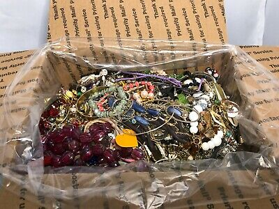 $ CDN66.36 • Buy 11lbs+ Lot Vintage To Now Costume Jewelry Untested Unsearched Mixed LOT