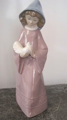 Charming Lladro Nao Figure Girl With Dove Figurine Caressing The Dove, 0352 • 19.99£