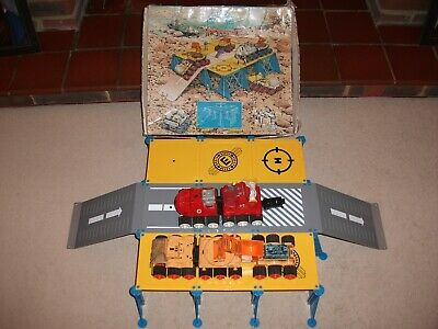 Vintage Space Toy Astronaut Base Station With Vehicles & Original Box  • 12.99£