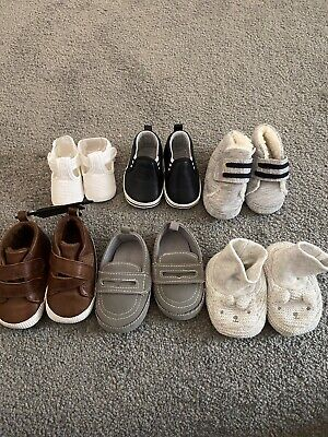 Baby Shoes Newborn - Size 2  • 1£