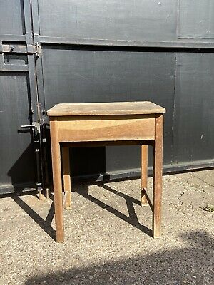 Old/vintage Oak School Desk • 20£