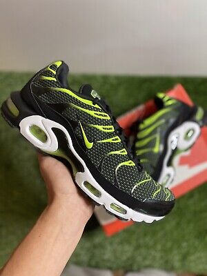 $129 • Buy New Men's Nike Air Max Plus TN Running Shoes In Black Volt, Size 10.5 852630-036