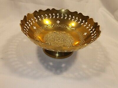 Vintage Brass Pedestal Bowl Beautiful Engraving 6 Inch Wide In Great Condition • 14.99£