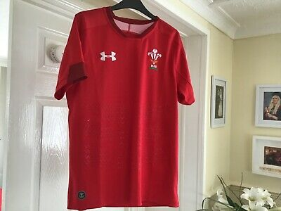 BNWT WALES Rugby Union Top Size S/M • 14.99£