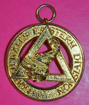 South Wales Eastern Division Past Provincial Grand Steward Chapter Masonic Jewel • 12£