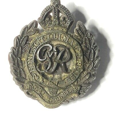 WW2 Royal Engineers Plastic Economy Badge With Authentic Use  Wear  • 13.74£