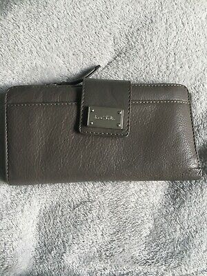 Large Grey Leather Purse • 8£
