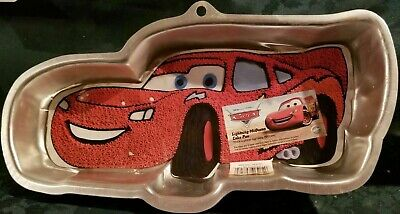 WILTON Disney Pixar CARS Lightning McQueen Metal Cake Pan Mold TIN 2105-6400 • 6.38£