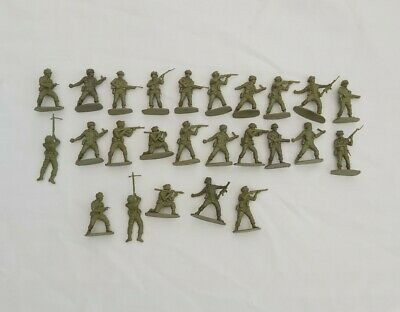 British WW2 Plastic Army Paratrooper Toy 1:32 Scale 25 In Total. D39 • 5£