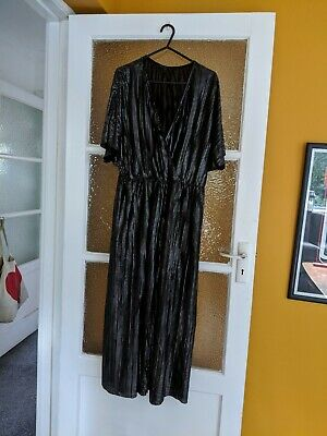 New Look Black And Silver Wrap V Neck Wide Leg Jumpsuit Size 18 • 1.99£