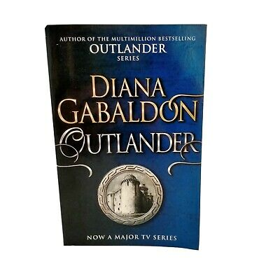 AU15 • Buy Outlander - Diana Gabaldon - Outlander Book 1 - Romance - Paperback Lightly Read