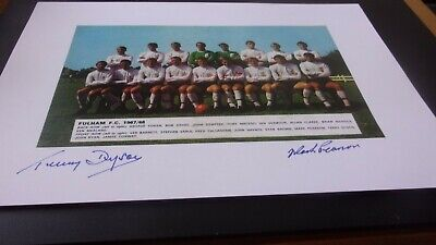 Signed Fulham   Team  Picture 12x8 Inches  • 4.99£