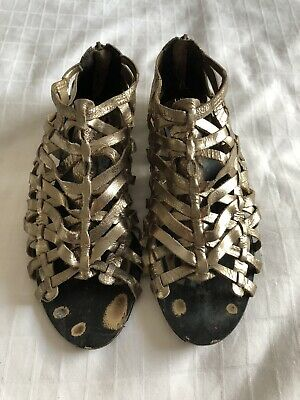 River Island Gold Caged Gladiator Sandals. Size 5 • 8£
