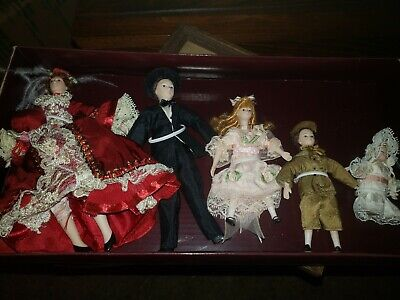 $ CDN59.47 • Buy  Victorian Trading Co. Family Of 5 Porcelain Dolls In Box