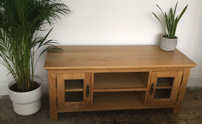 Solid Oak Wood TV Cabinet With Glass Doors • 75£