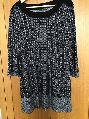 Longline Tunic Top / Dress Size 20 • 1.70£