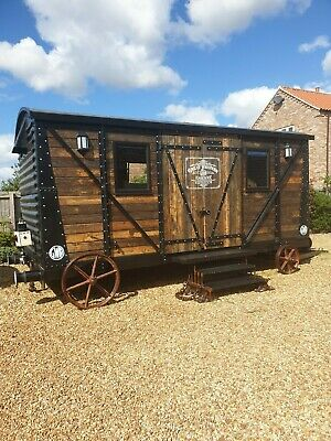 Log Cabin Shepherds Hut Glamping Summer House Office Railway Carriage 1930 • 20,000£