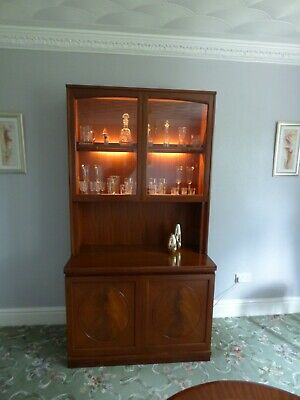 Mahogany Display Cabinet / Dresser  In Good Condition • 50£