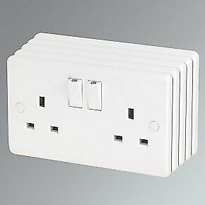 5 X 13A WHITE DOUBLE TWIN MAINS WALL SOCKET PLUG OUTLET SWITCHED • 10.99£