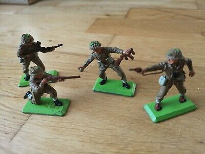 Britains Deetail WW2 British Infantry, 4x Model Soldiers, Vintage 1970s.  • 2.90£