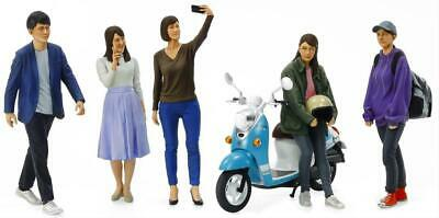 Tamiya 24356 Campus Friends Modern Figure Set (1:24 Scale) • 22.50£