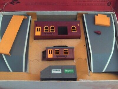 £29.99 • Buy Triang R81 Station Set In Box.platform Ticket Office,porters Office & Fences