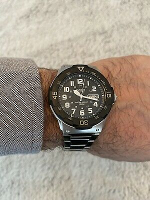 Gents Casio Dive Style Watch With Black Dial & Stainless Steel Bracelet • 44.99£