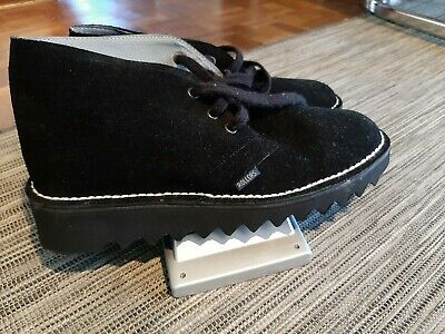 AU99 • Buy Black Ripple Sole Shoes Size 7 But More Like A Size 6 - Like New