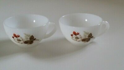 2 Vintage French Arcopal Espresso Coffee Tea CUPS Opaline Glass & Christmas Rose • 9.50£