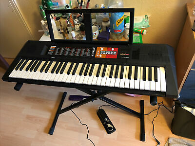 Yamaha PSR-F51 Electronic Keyboard - Black • 90£