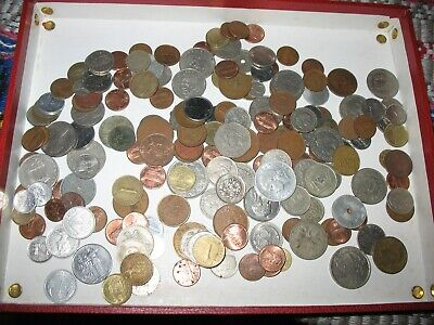 About 100 Foreign Coins • 4.99£