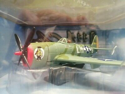 Yatming Air Signature Diecast 1:48 P-47D Thunderbolt & Stand • 18£