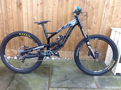 YT Industries Tues comp 2015 27.5 • 900£