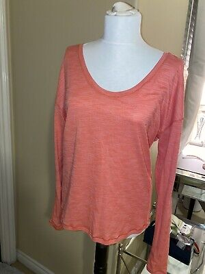 $ CDN13.62 • Buy Lululemon Womens Size 10-12 Long Sleeve Scoop Neck T Shirt Orange/Pink EUC