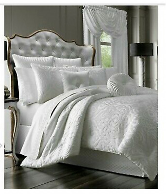 $ CDN253.73 • Buy J. Queen New York Astoria White  King 4 Piece Comforter Set