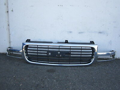 $59.99 • Buy Nn712136 GMC Sierra 1500 2001 2003 2004 2005 2006 Front Bumper Center Grille OEM