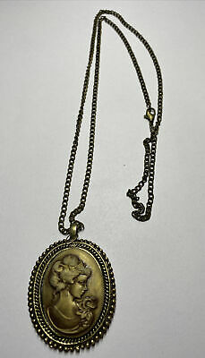 £4.99 • Buy Gold Antique Effect Cameo Necklace
