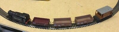 Hornby R2245 BR 0-4-T Industrial Loco No 4 Membership Edition 2001 & 4 Wagons • 14.75£