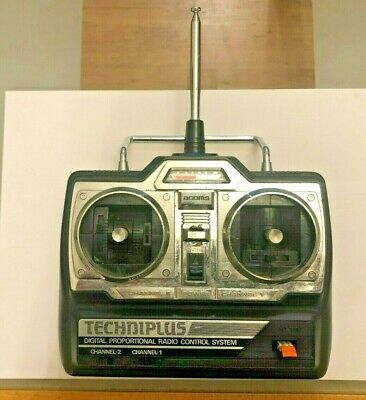 ACOMS TECHNIPLUS AP-27 MK V 2 CHANNEL 27MHz AM TRANSMITTER With  Futaba Receiver • 16£