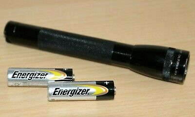 Mini MAGLITE Torch - Black Anodised With 2x New AA Batteries Spare Bulb • 14.99£