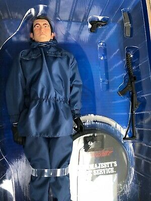 SIDESHOW 007 JAMES BOND GEORGE LAZENBY OHMSS 12  ACTION FIGURE Boxed • 39.99£