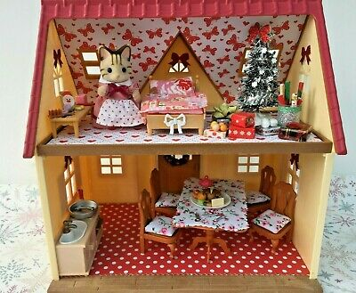 Sylvanian Families Decorated Red House Bundle + Christmas Scene & More No.89 • 24.99£