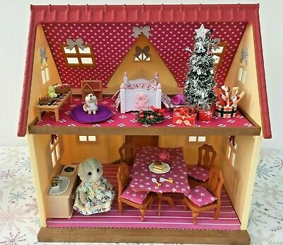 Sylvanian Families Decorated Red House Bundle + Christmas Scene & More No.122 • 24.99£