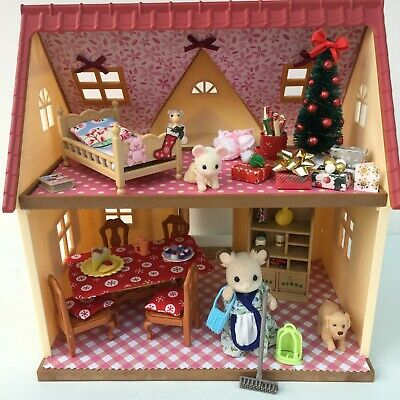 Sylvanian Families Decorated Red House Bundle + Christmas Scene & More No.32 • 24.99£