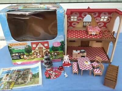 Sylvanian Families Decorated Red House Bundle + Christmas Scene & More No.9 • 24.99£